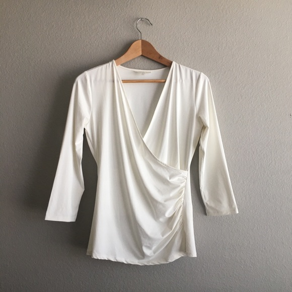 Tops - Emerson rose white 3/4 sleeve low v blouse size xs